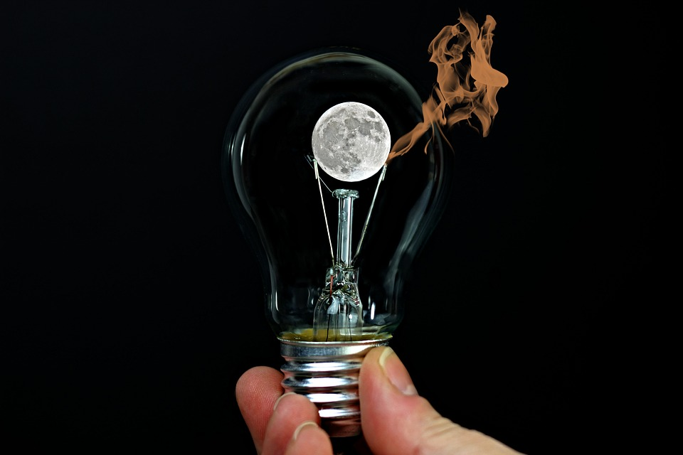 žiarovka, plameň