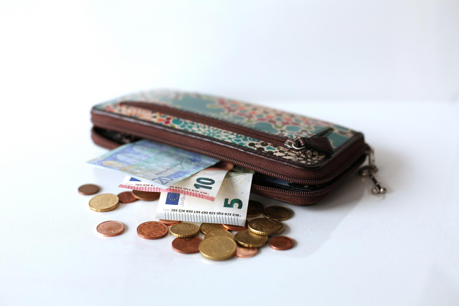 NO.01-PERSONALIZED-HANDMADE-LEATHER-WALLET