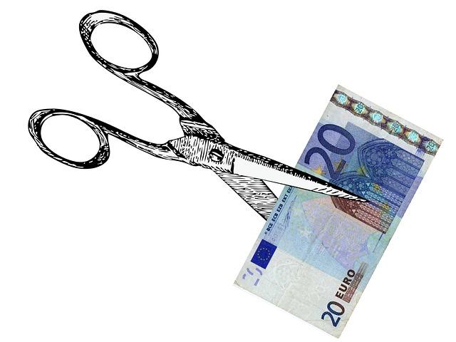 přestřižení bankovky